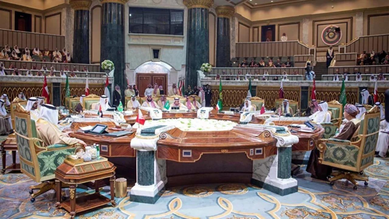 مجلس التعاون يطالب بإبقاء حظر السلاح على إيران