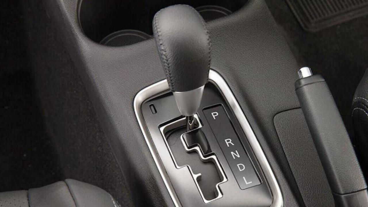 خطوات تمكنك من اختبار سلامة القير الأوتوماتيكي في السيارة