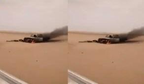 شاهد.. مصير طقم حوثي بعد محاولته الاقتراب من مواقع الجيش شرق الجوف
