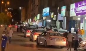 """""""المرور"""" توجه باتخاذ الإجراءات النظامية حيال عمالة عطلت حركة السير في الرياض (فيديو)"""