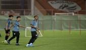 بالصور.. لاعبو الشباب يعاودون تدريباتهم بعد فراغهم من لقاء الأمس