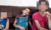 بالفيديو .. أب يحبس أطفاله الثلاث بلا طعام إرضاءً لزوجته