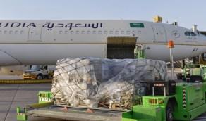 بالصور.. مركز الملك سلمان للإغاثة يسيّر طائرة المساعدات الثالثة إلى لبنان