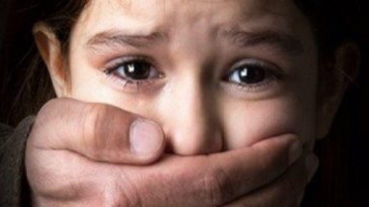 طفلة صغيرة تتعرض لإستغلال جنسي من زوج مربيتها