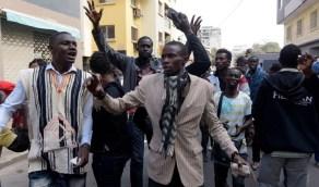 أنصار زعيم ديني يحطمون مؤسسة صحفية زعمت إصابته بكورونا