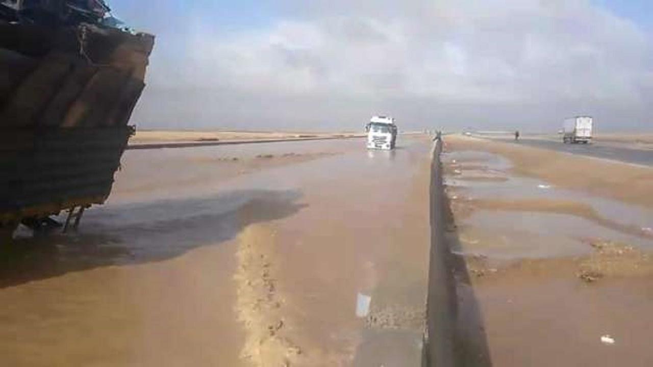 نصائح لتفادي وجود مياه غزيرة على الطريق أثناء القيادة