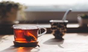 أضرار شرب الشاي بعد تناول الطعام