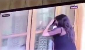 بالفيديو.. مراسلة تغطي اجتماع السياسيين اللبنانيين بطريقة مثيرة للسخرية