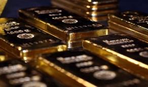 الذهب يتراجع دون 1900 دولار مع صعود الدولار وعوائد السندات الأمريكية