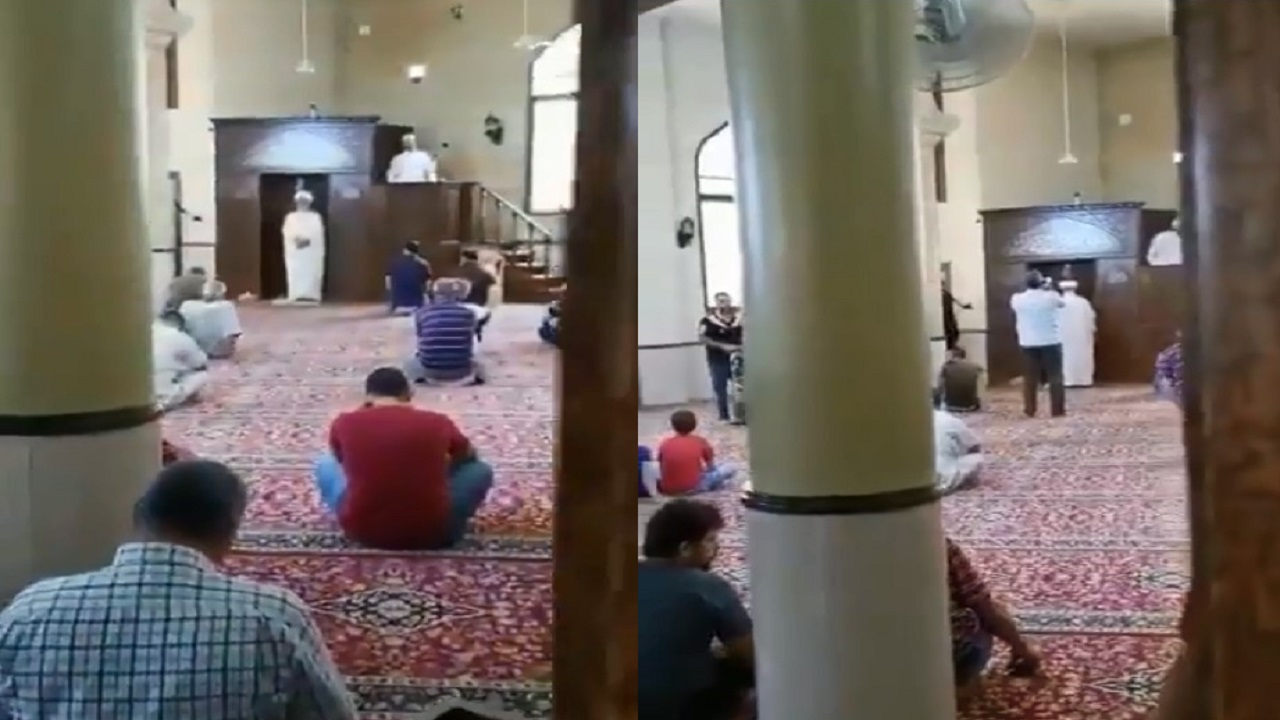 بالفيديو.. خطيبان يلقيان خطبة الجمعة معا في مسجد واحد