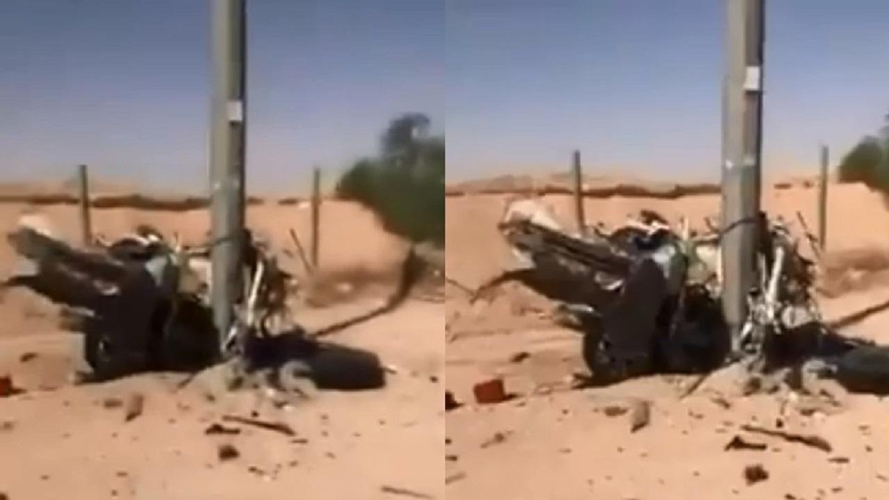 بالفيديو.. حادث مروع يشطر مركبة إلى نصفين بالرياض