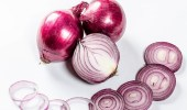 تحذيرات من البصل الأحمر يسبب بكتريا السالمونيلا