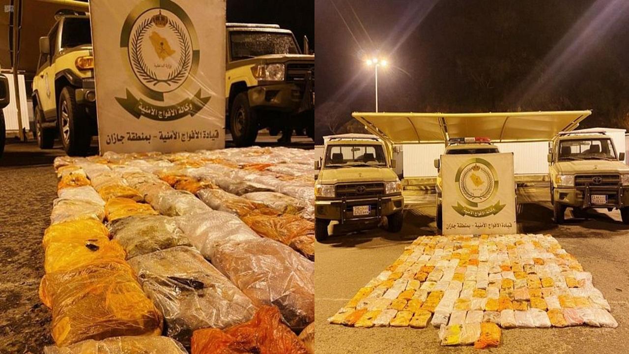 الإطاحة بـ 4 مواطنين بينهم امرأتين أثناء تهريب الحشيش بجازان