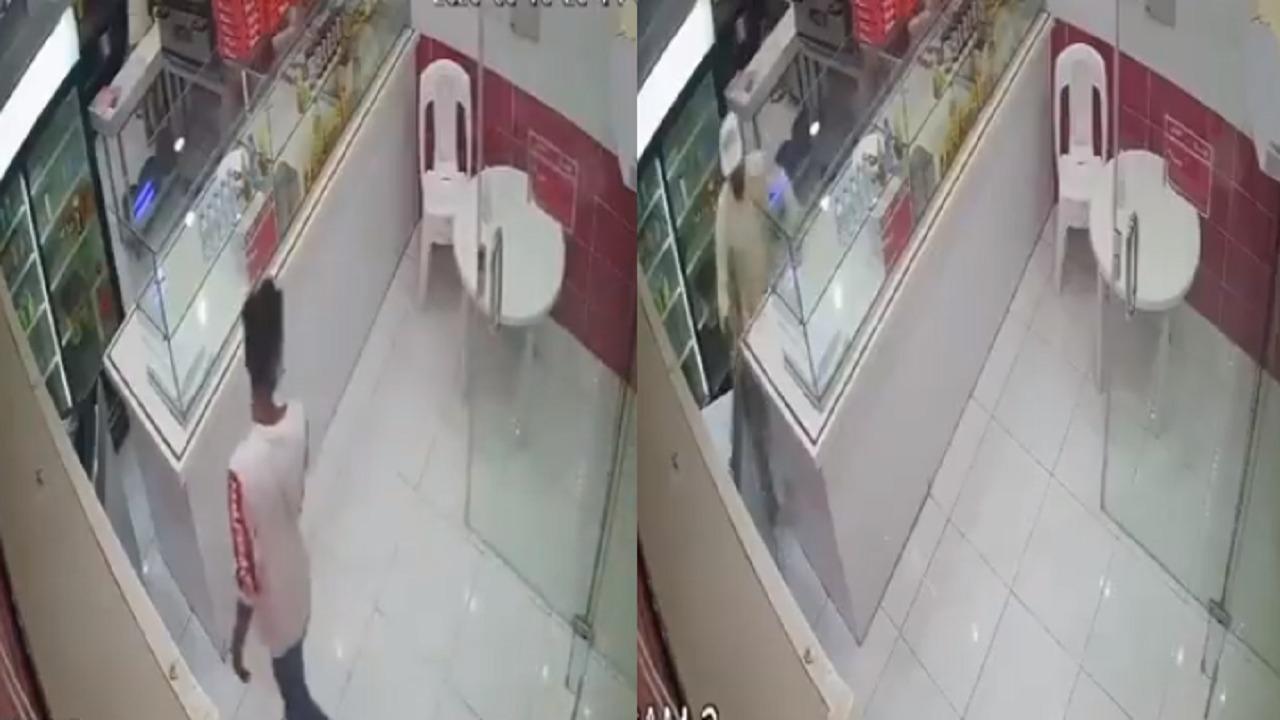 شاهد.. القبض على مواطنين اثنين تورطا في سرقة مطاعم ومحلات بمكة