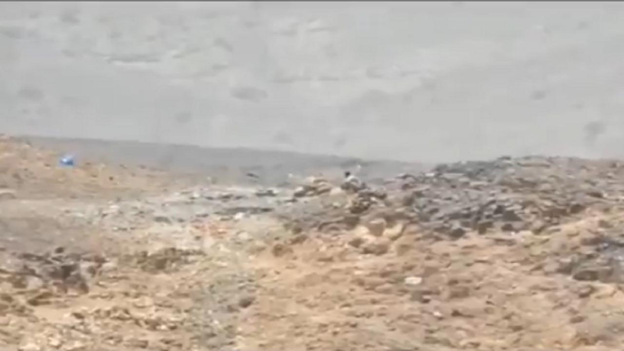 بالفيديو .. لحظة استهداف عنصرين من ميليشيات الحوثية في شرق صنعاء