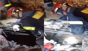 بالفيديو.. عمليات البحث مستمرة أملا في العثور على ناجين تحت الأنقاض ببيروت