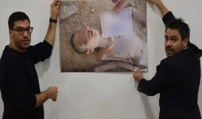"""أم سورية تتعرف على جثة ابنها المفقود بالصدفة وتُصدم بـ """"فقأ عينيه وكسر ساقه وإلقاءه عاريًا"""""""
