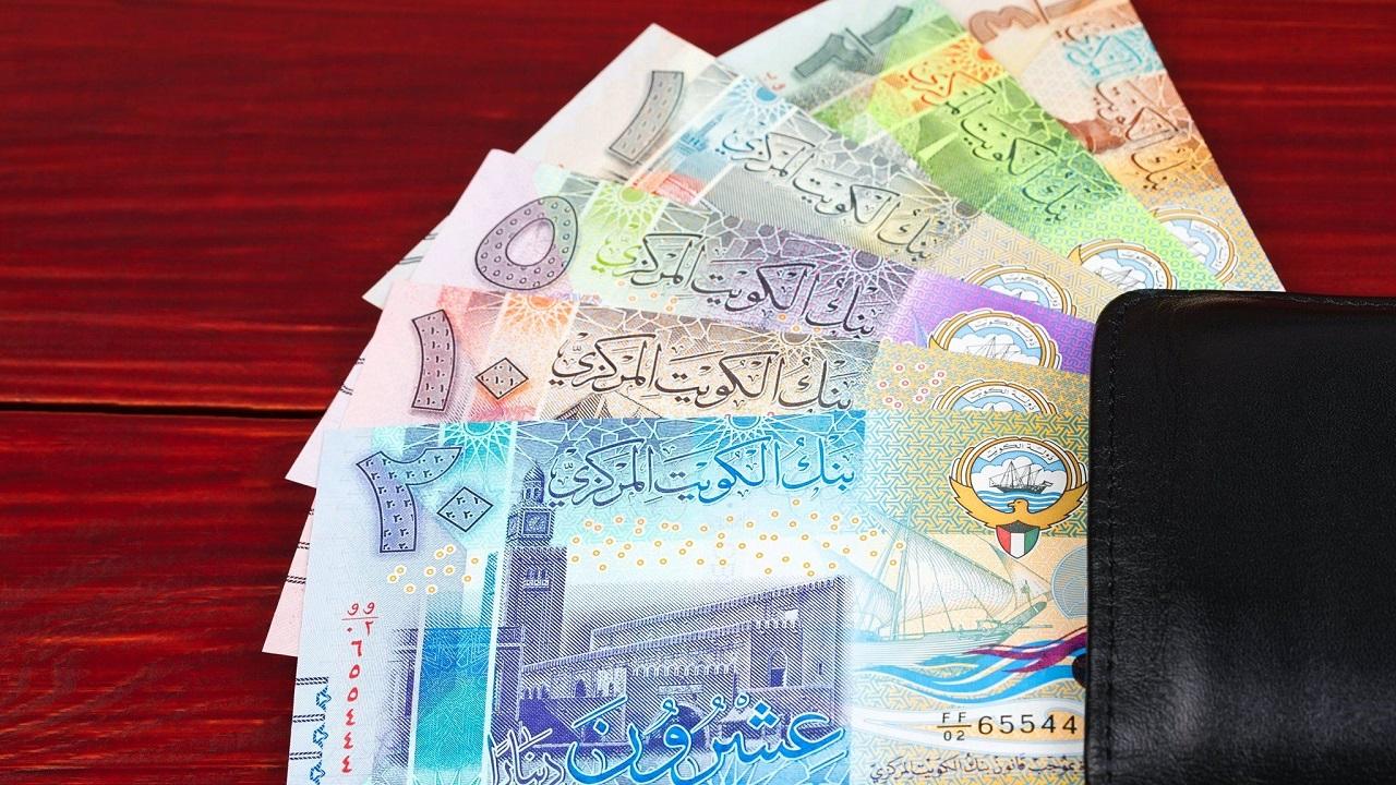 متهمة بغسيل الأموال تسحب 40 ألف دينار رغم تجميد حسابها