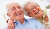 العلاقة بين الضحك والصحة في الشيخوخة