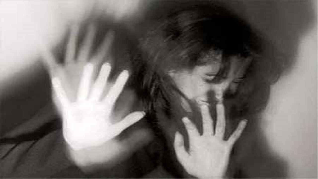 شاب يحاول اغتصاب فتاة في الشارع !