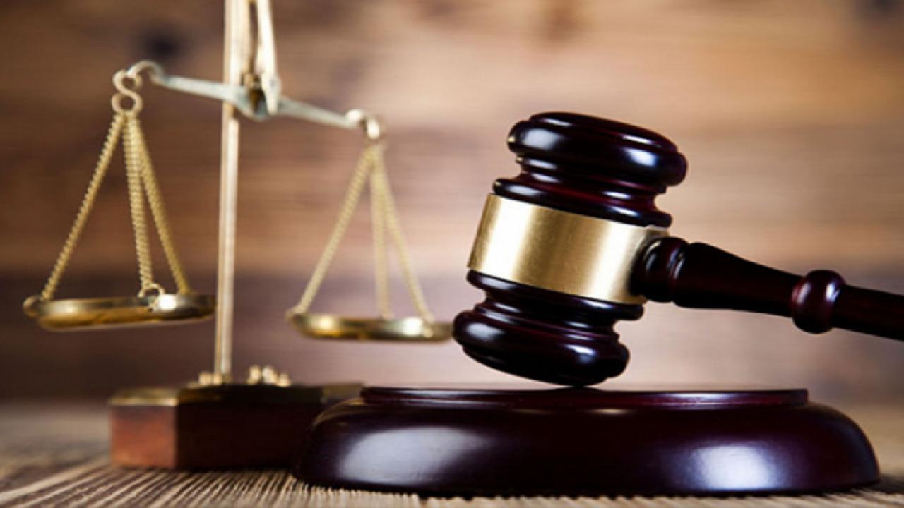 سيدة ترفع دعاوى قضائية ضد أزواجها السابقين