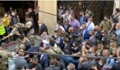 بالفيديو ..لبنانيون يحتشدون حول الرئيس الفرنسي خلال زيارته لـ«بيروت»