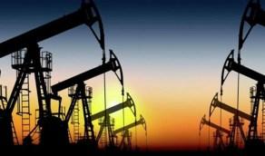 أسعار النفط تتراجع والسبب إصابات كورونا