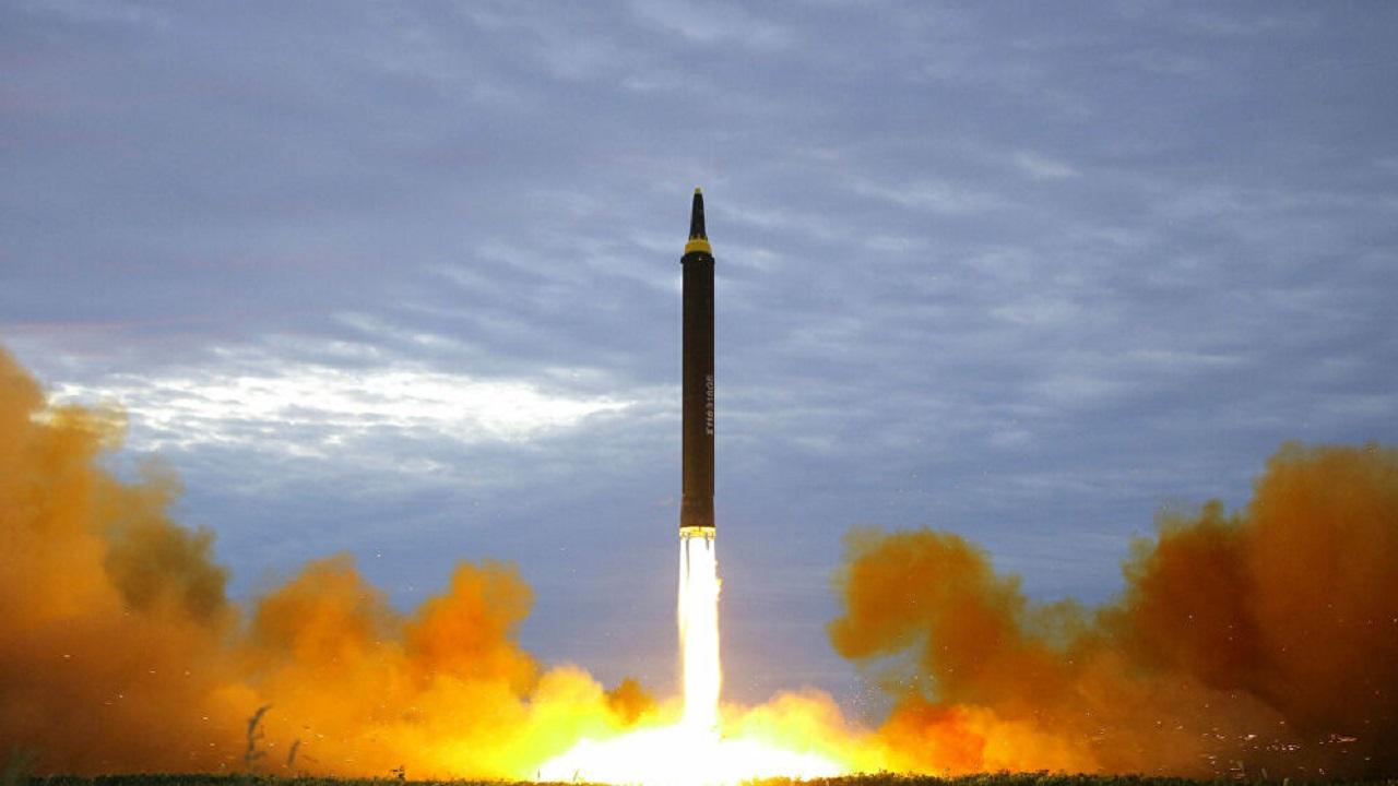 صور الأقمار الصناعية تكشف تصنيع كوريا الشمالية لصاروخ باليستي سراَ