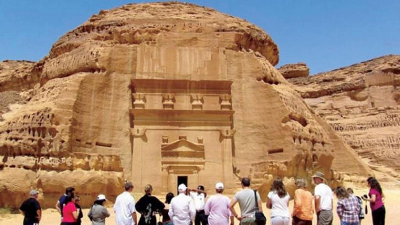 وزير السياحة: استئناف التأشيرات السياحية بحلول 2021