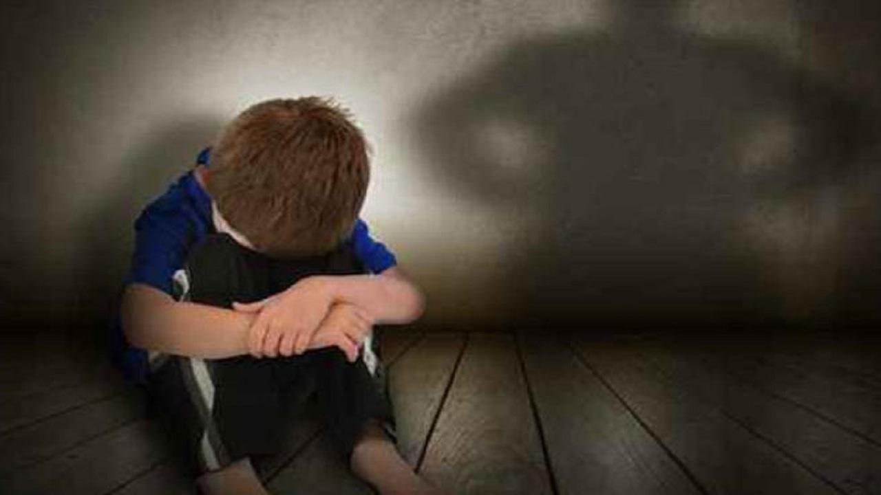مدرب كرة قدم يعتدي جنسيا على 3 أطفال