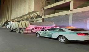 """المرور يطيح بقائد """" قلاب """" عرض حياة مستخدمي الطرق بمكة للخطر"""