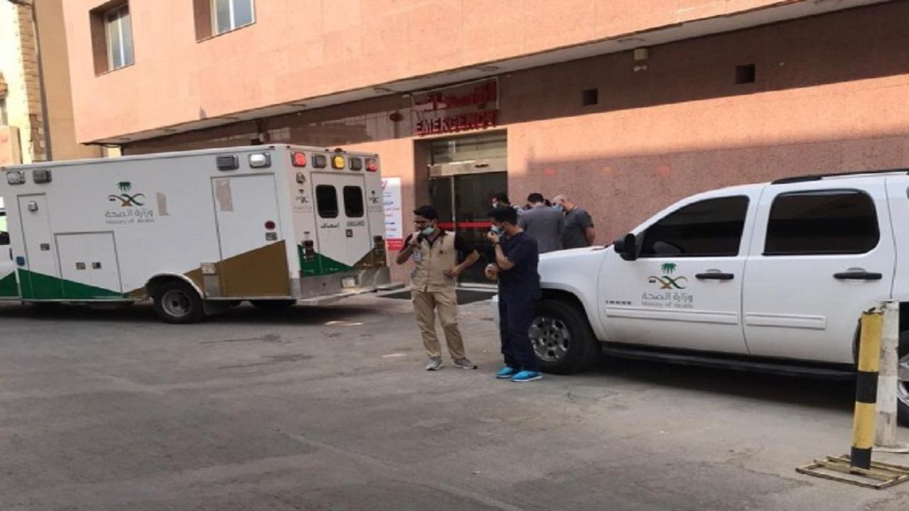 """""""صحة الرياض"""" تنقل مريضًا وصل وزنه إلى 300 كجم إلى المستشفى"""
