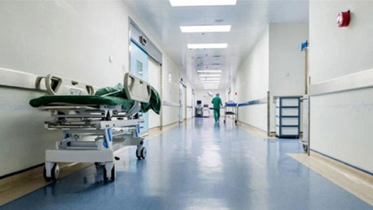 مواطن يتهم مستشفى باحتجاز طفلته الرضيعة بحجة كورونا في مكة