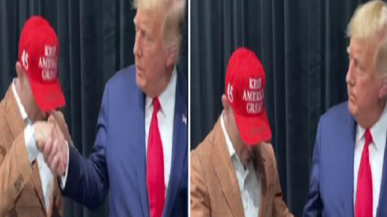 بالفيديو.. رياضي أمريكي يتصرف بطريقة غريبة عند مصافحته ترامب