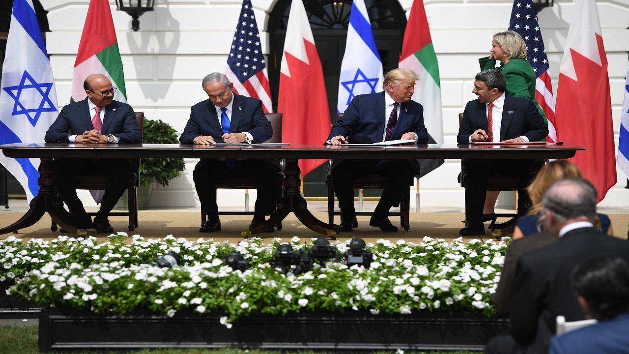 بالفيديو.. لحظات توقيع اتفاق السلام بين الإمارات والبحرين وإسرائيل