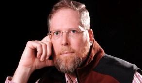 بالفيديو.. طبيب أمريكي مشهور يحكي سبب انتقاله للعيش في المملكة