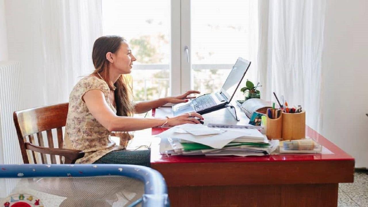 خبراء: العمل من المنزل يؤدي إلى الإصابة بأمراض عقلية