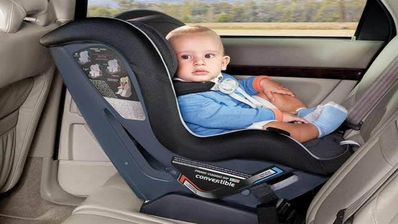 """""""المرور"""" يوضح أهمية استخدام مقاعد الأمان المخصصة للأطفال"""