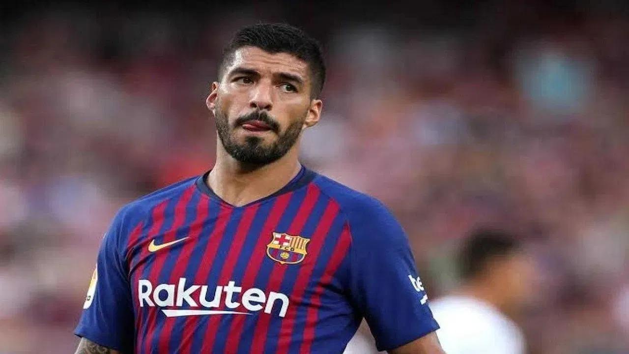 برشلونة يفكر في إبعاد سواريز عن المباريات الرسمية وتجميده