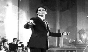 """بالفيديو.. قصة الأغنية الـ """"شؤم"""" التي تسببت في اعتزال العندليب وأوقعته مع الجمهور"""