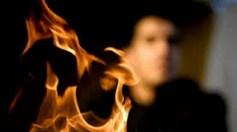 خلافات أسرية تقود شابًا لقتل والده وزوجته وإحراق جثتيهما