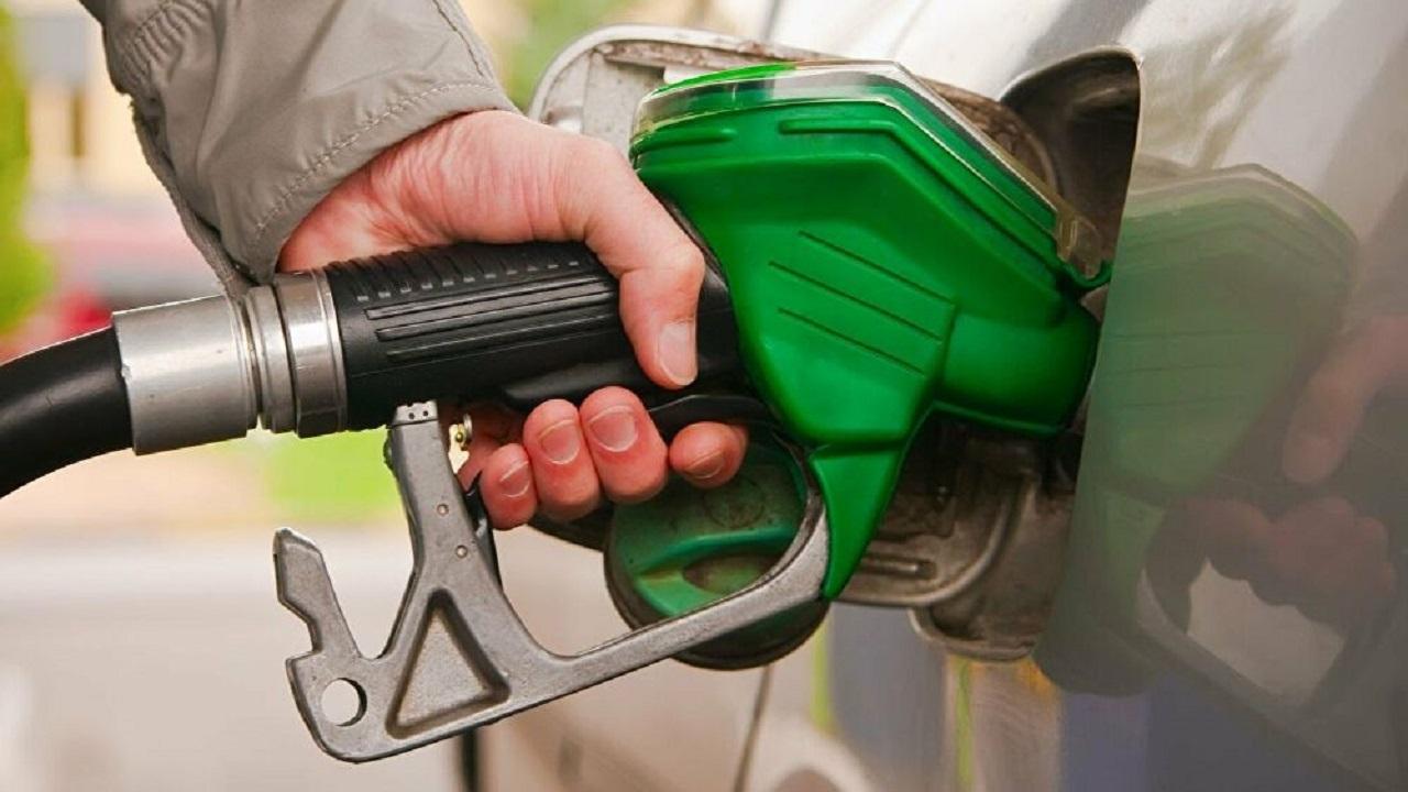 خبراء يحددون سيارات تستهلك وقود أكثر من غيرها