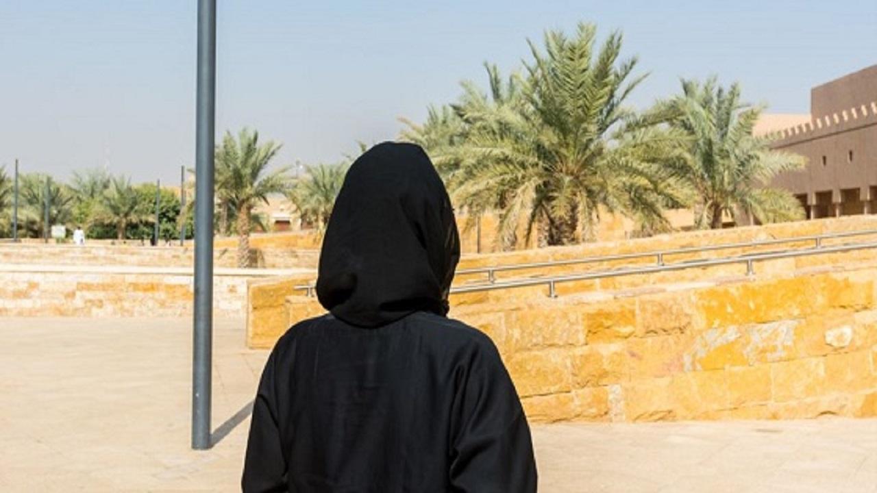 محكمة تنتصر لفتاة سافرت للرياض واستقلت بسكن دون إذن أهلها