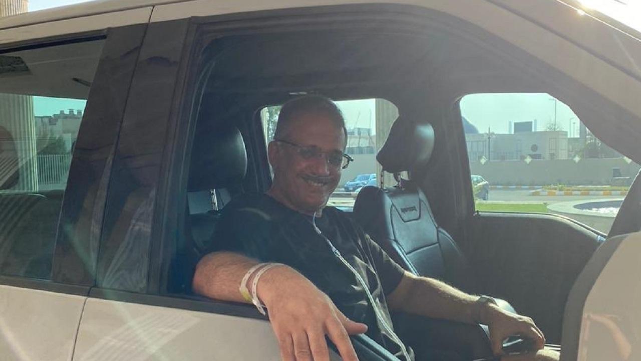 شاهد.. الأمير وليد بن بدر يخرج من المستشفى