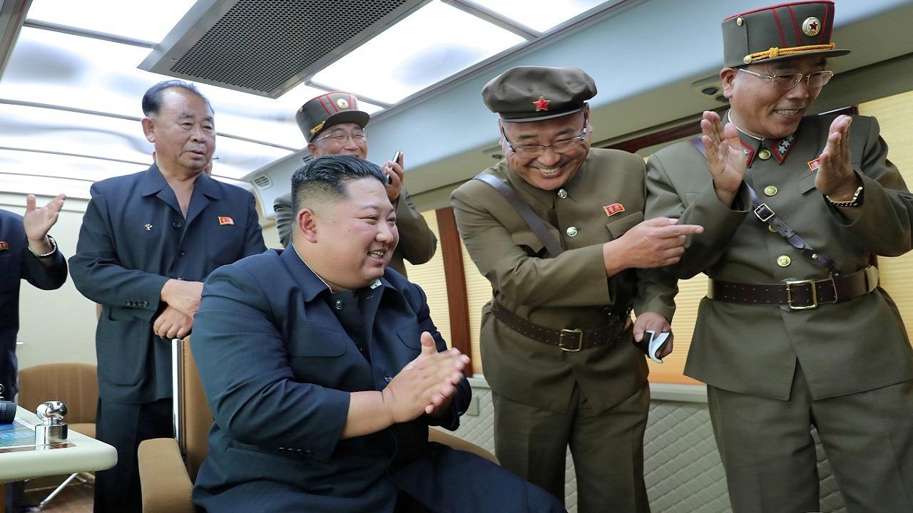 """قصة فصل زعيم كوريا الشمالية لـ """" رأس عمه """" وإرسالها للمسؤولين!"""