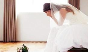 """عروس تُطلق ليلة زواجها والحُجة """" نائمة بجانب زوجها! """""""