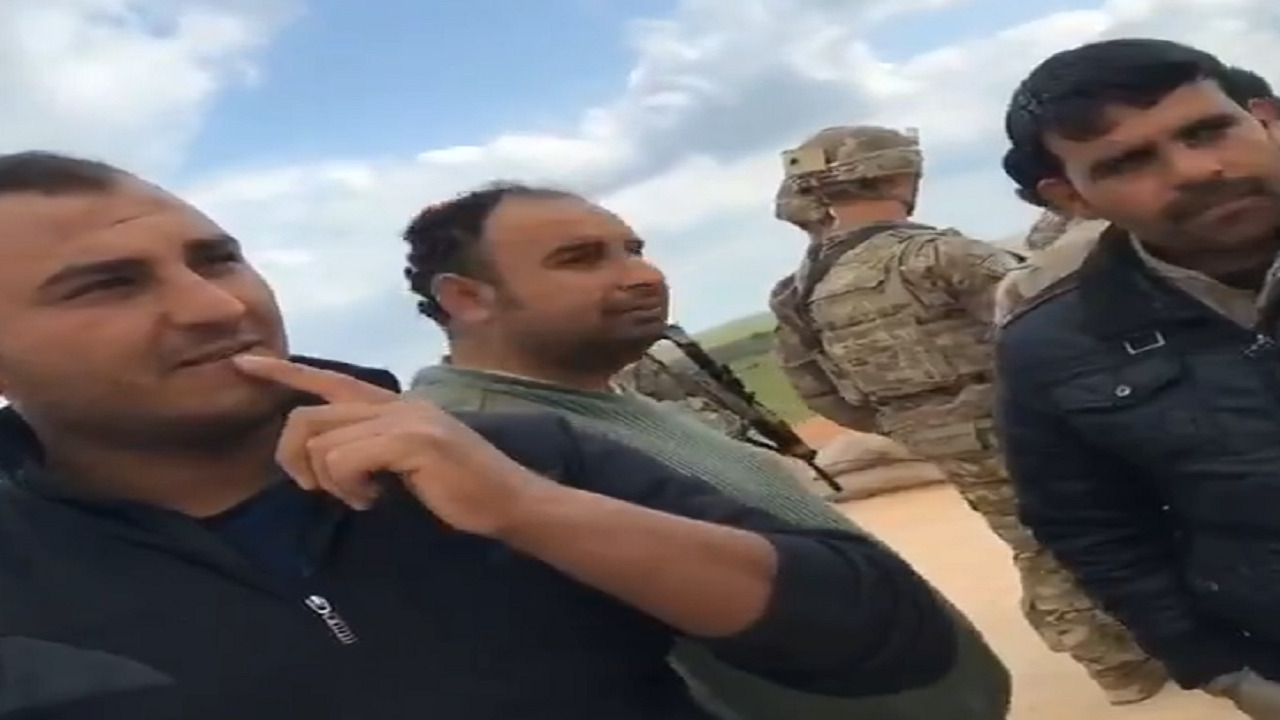بالفيديو .. رد فعل مواطنين سوريين بعدما سئلوا عن ممثلة إباحية