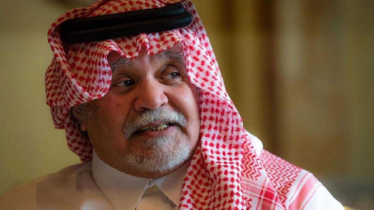 صورة نادرة للأسطورة السياسية الأمير بندر بن سلطان