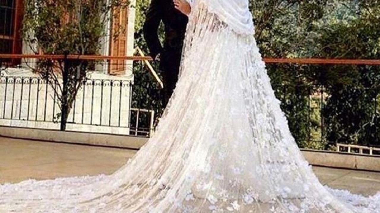 بالفيديو.. عريس يوقف حفل زفافه لشراء الموز لعروسه