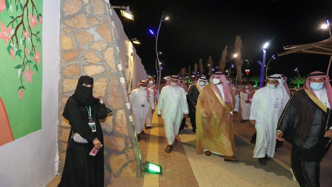 الأمير فيصل بن نواف يطلق برنامج الخط العربي